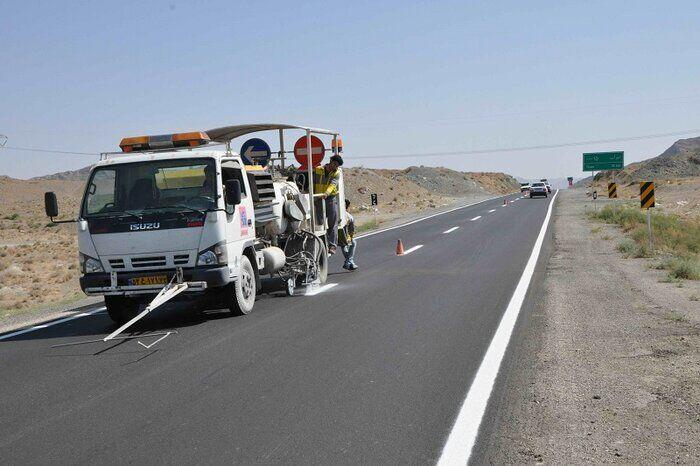 خبرنگاران عملیات خط کشی جاده بویین زهرا - ساوه انجام شد